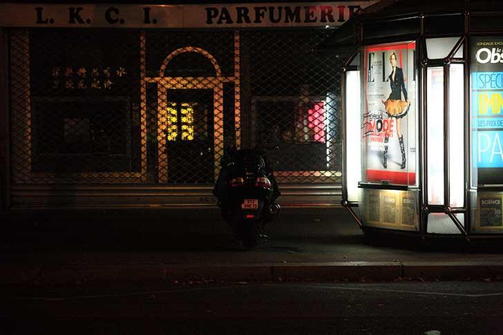 深夜のパリ