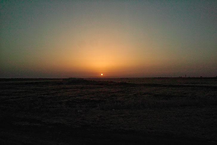 沙漠の夕陽